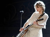 Taylor Swift Live - Image: Ronald Woan